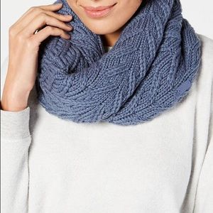 Under Armour Infinity Scarf Cowl